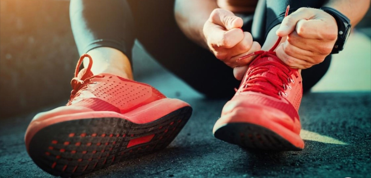 Skadeproblemer og tidlig spesialisering blant idrettselever på ulikt prestasjonsnivå